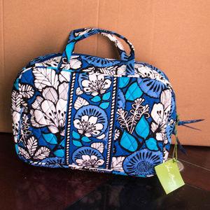NWT Vera Bradley Grand Cosmetic Bag Blue Bayou